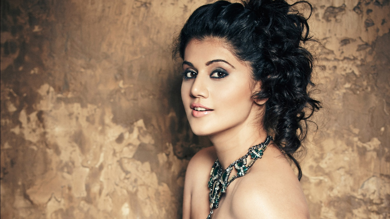 South indian actress hd wallpaper 1366x768 hd