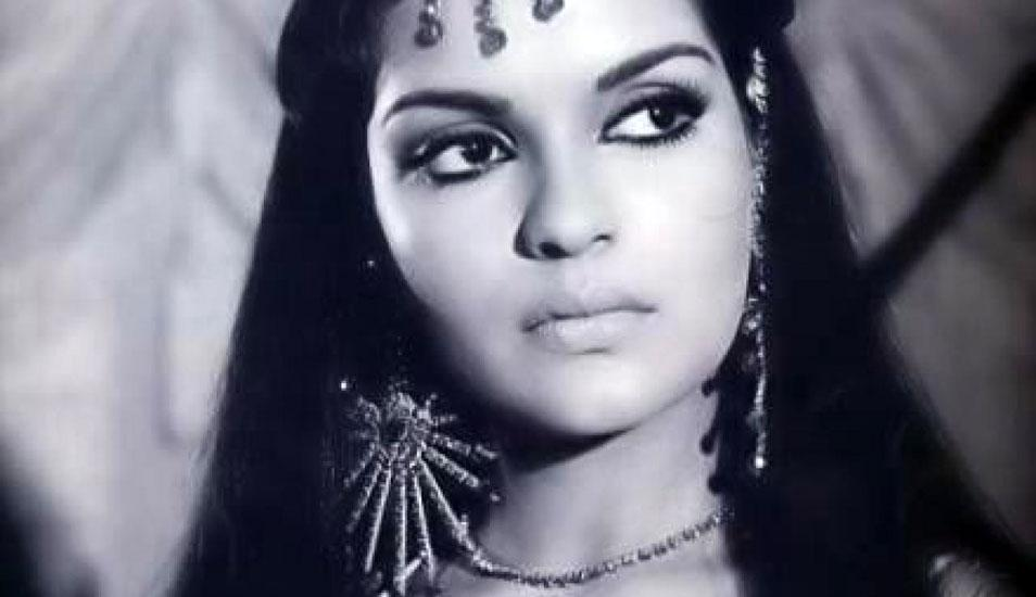 Zeenat aman wallpaper